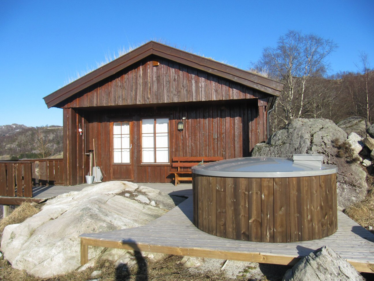 Cabin 1 Hot tub